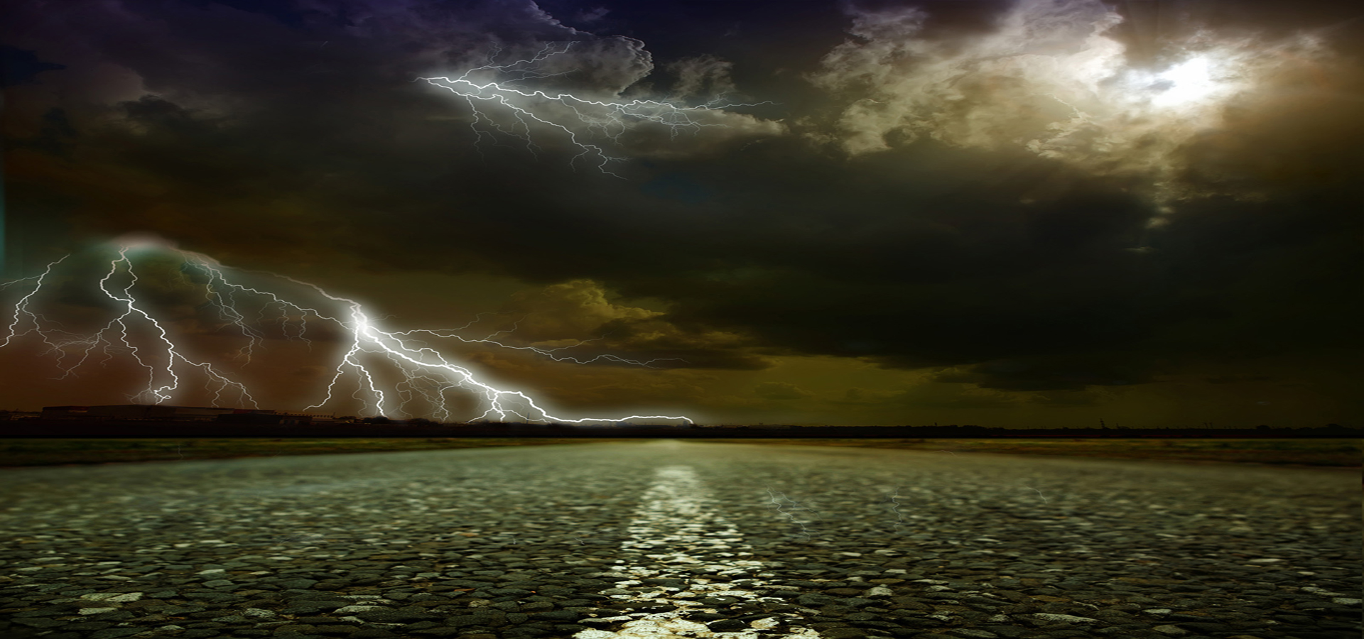storm comes scenery  lightning  dark  clouds background image for free download
