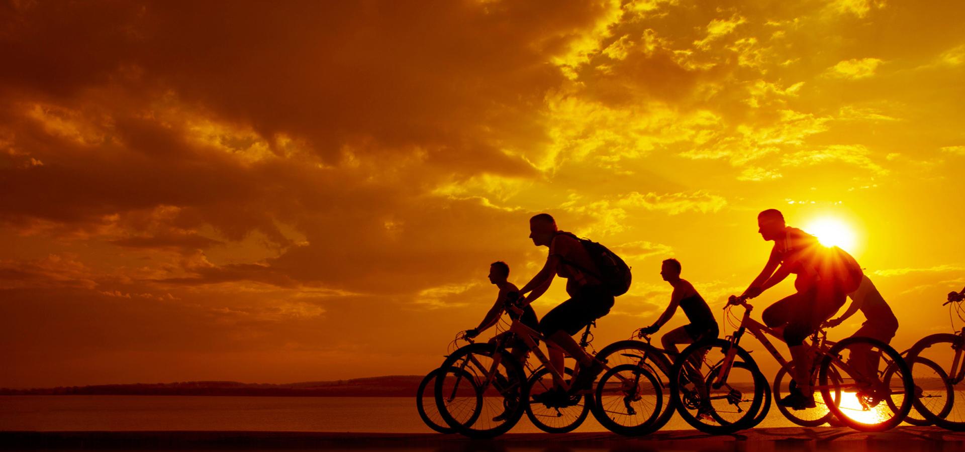 cycliste v u00e9lo v u00e9lo le sport contexte cycle coucher de