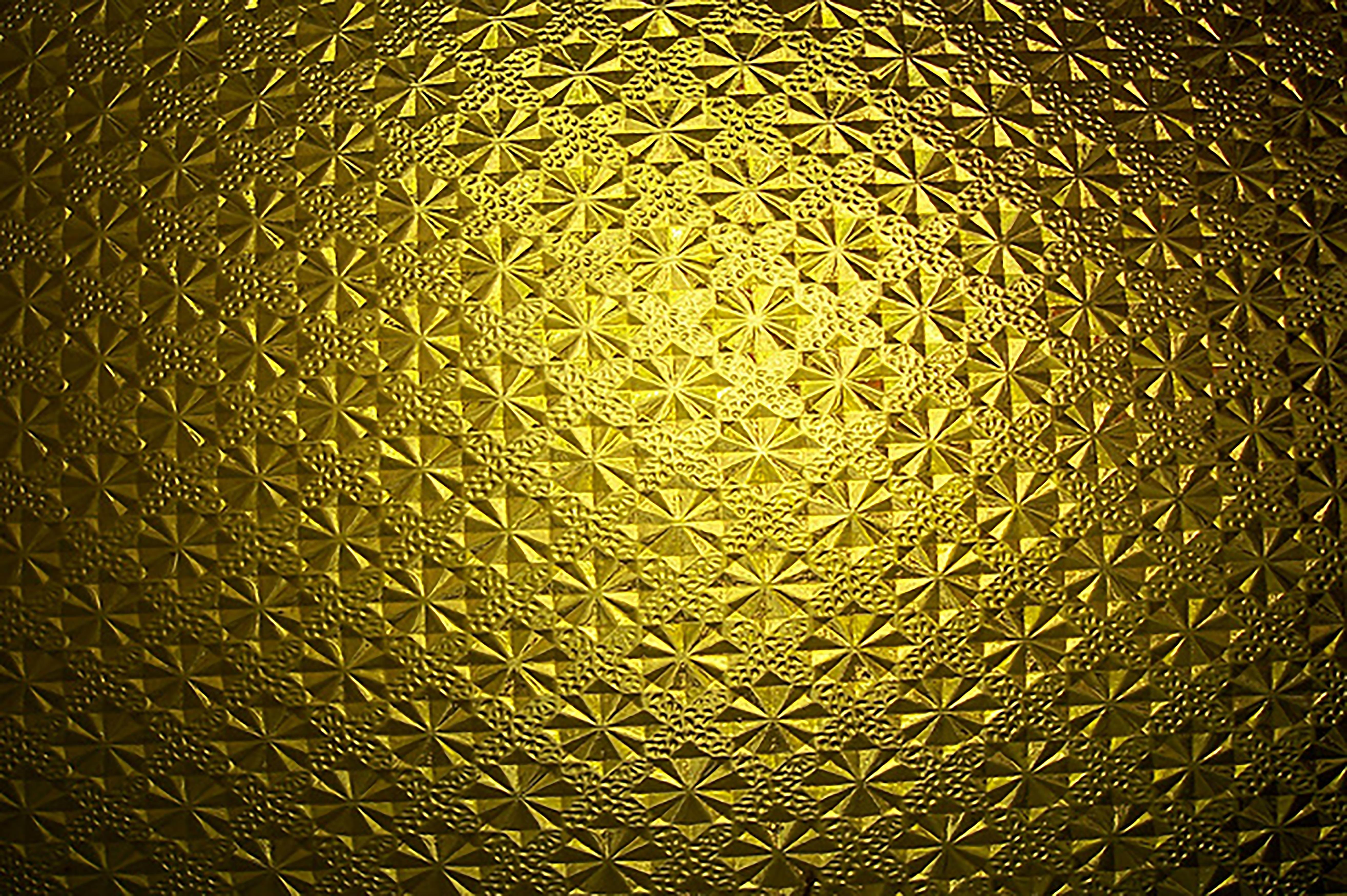 Картинки на телефон золотые узоры украшен