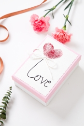 carnation white gift box love ribbon , Love, White Gift Box, Real Shot Imagem de fundo
