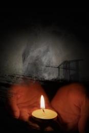 미니멀리즘 촛불 기도 자연 재해 , 자연, 재해, 자연 재해 배경 이미지