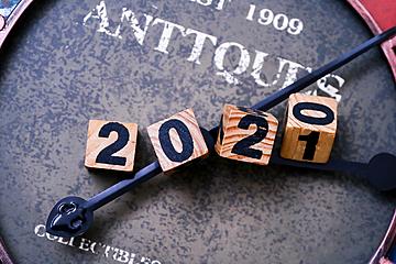 2021 retro background