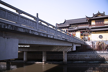 fuyuan zen temple across the river