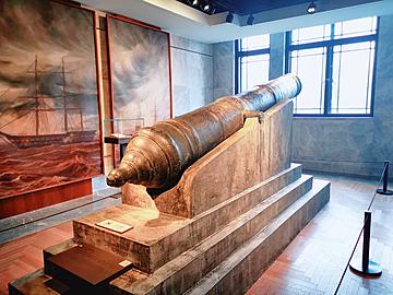 general zhenyuan bronze cannon shanghai history museum