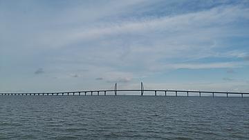 hong kong macao zhuhai bridge under the blue sky